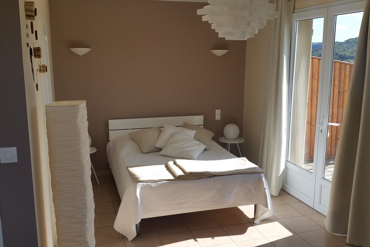 Location gite val st georges millau aveyron for Chambre hote millau